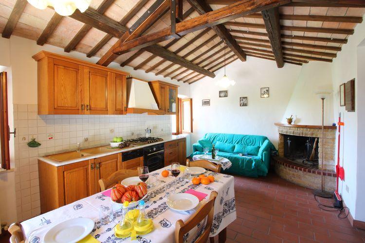 Vakantiehuizen Italie | Marche | Boerderij te huur in Monte-Carotto met zwembad  met wifi 5 personen