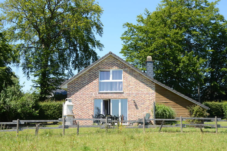 Vakantiewoning  met wifi  Sourbrodt  Mooi vakantiehuis gelegen aan de rand van een natuurreservaat