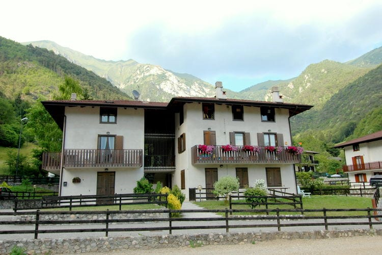 Italiaanse Meren Chalets te huur Vakantiewoning in een residence met zwembad aan het Ledromeer
