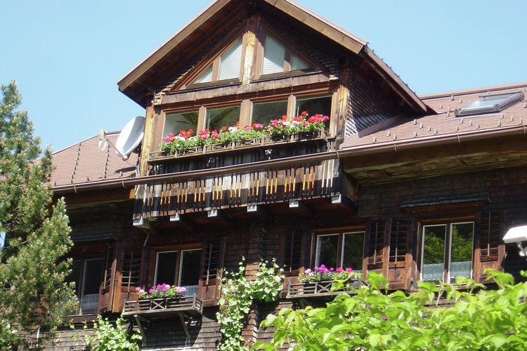 Vakantiewoning huren in Vorarlberg -   met wifi  voor 5 personen  Dit prachtige landhuis ligt midden..