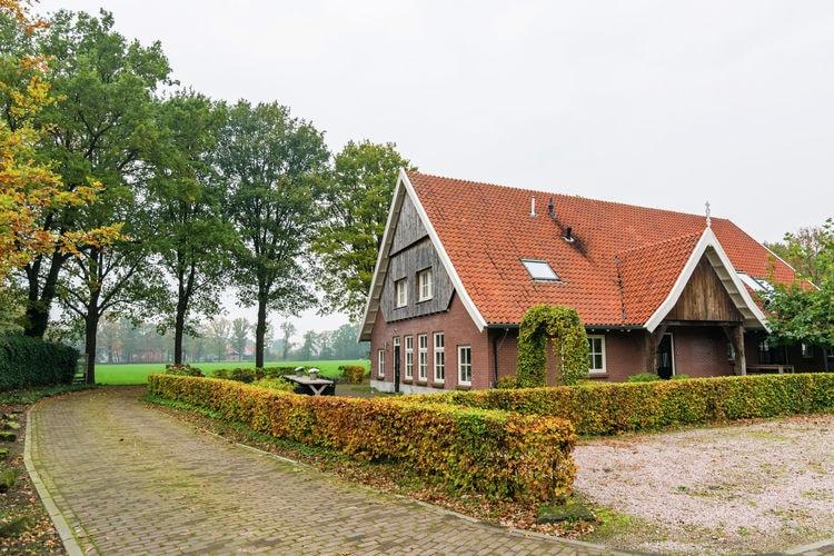 Nederland | Overijssel | Boerderij te huur in Denekamp met zwembad  met wifi 18 personen