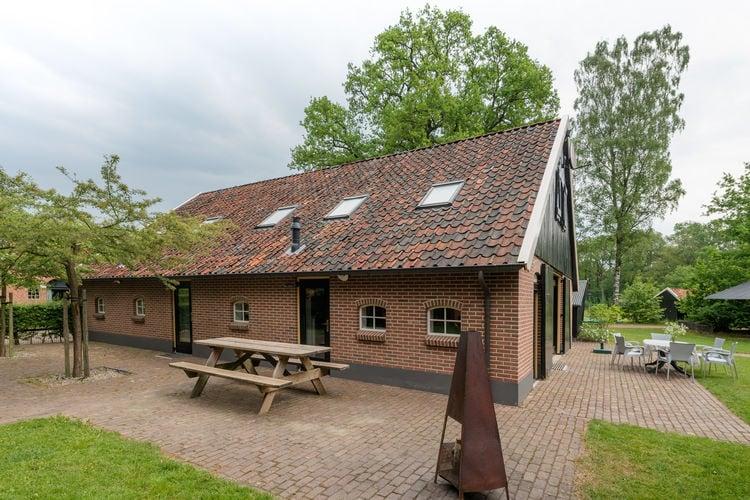 Boerderij  met wifi  Aalten  Comfortabel ingerichte groepswoning in de Gelderse Achterhoek