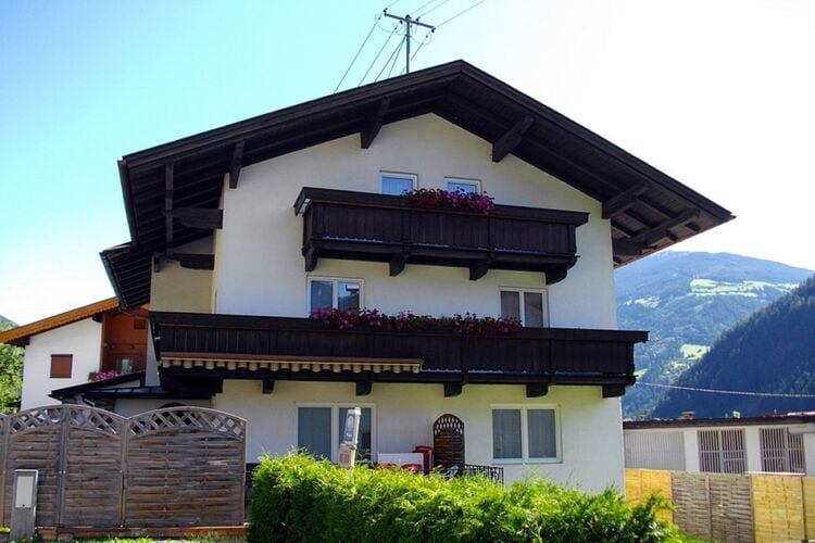 Vakantiehuizen Oostenrijk | Tirol | Vakantiehuis te huur in Mayrhofen-Hippach   met wifi 15 personen