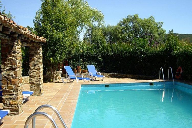 Extramadura Vakantiewoningen te huur Landelijk gelegen authentieke finca met gemeenschappelijk zwembad
