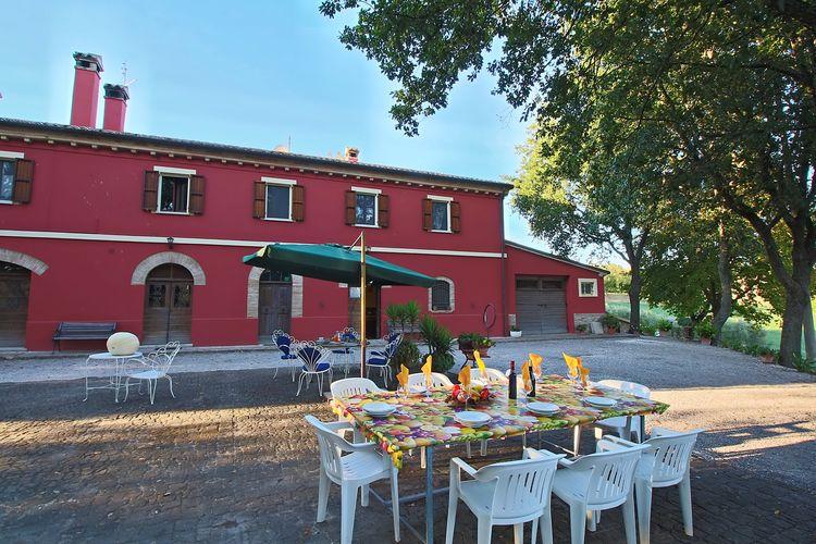 Vakantiewoning  met wifi  Serrungarina  Casa Lella