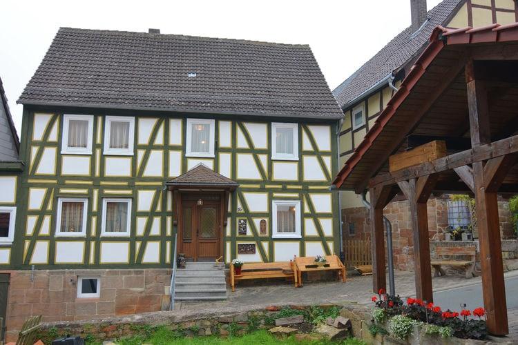 Hessen Vakantiewoningen te huur Vrijstaand vakantiehuis in Bad Arolsen met eigen tuin op centrale ligging
