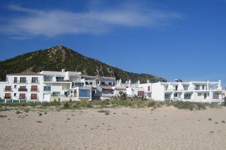 Luz Vakantiewoningen te huur Uniek strandappartement met diverse terrassen en zwembad aan prachtig zandstrand