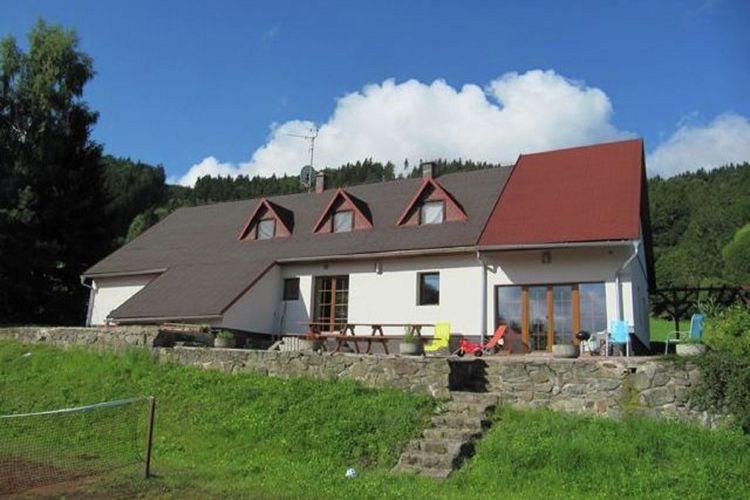 Villa  met wifi  Zacler  12-persoons villa met zes slaapkamers in Reuzengebergte