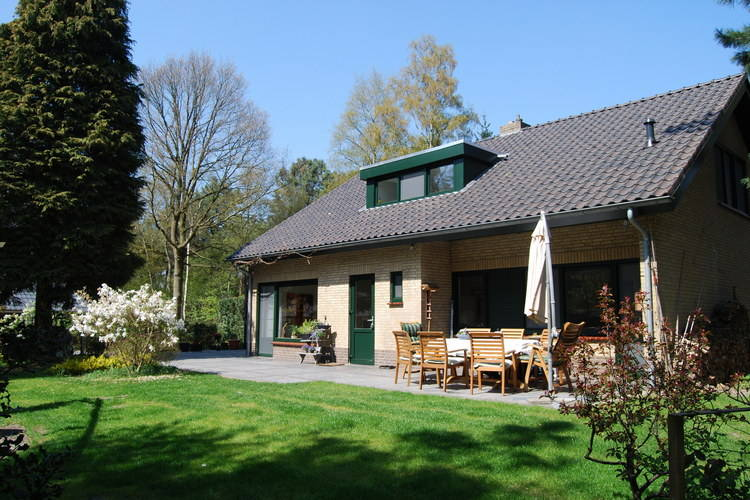 Villa met zwembad met wifi  Venhorst  Prachtige villa met 1ha eigen bos en zwembad en sauna