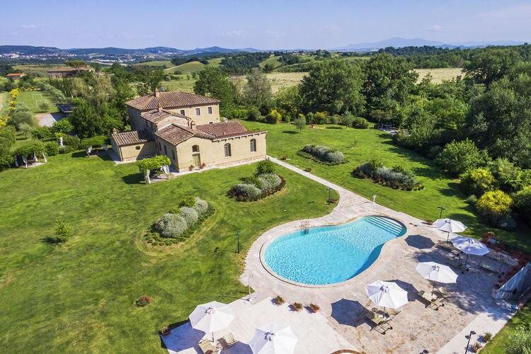 Appartement in een sfeervolle agriturismo met zwembad, eigen olijfolie en wijn