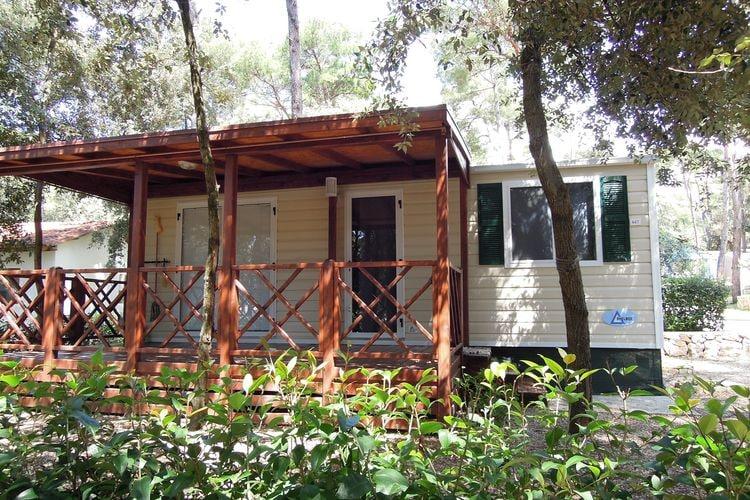 Kroatie Chalets te huur Recent geplaatste mobilhomes, gelegen op park met diverse faciliteiten aan zee
