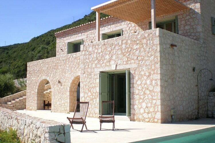 Villa met zwembad met wifi  Vasiliki  Villa Helios
