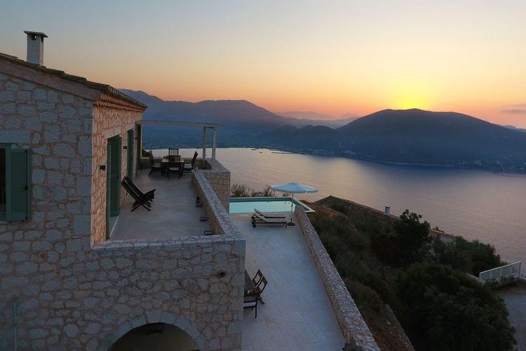 Villa met zwembad met wifi aan zee Vasiliki  Schitterende villa met zwembad en geweldig uitzicht over de Ionische Zee