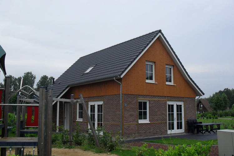 Vakantiehuizen Nederland | Limburg | Villa te huur in Susteren met zwembad  met wifi 10 personen
