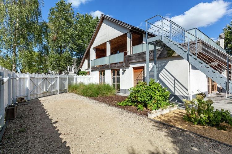 Prachtige, luxe villa met zwembad, sauna en stoomdouche op wandelafstand van zee