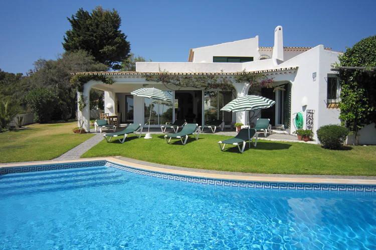 Albufeira Vakantiewoningen te huur Vrijstaande vier slaapkamer villa met privé zwembad in Sesmarias - Albufeira