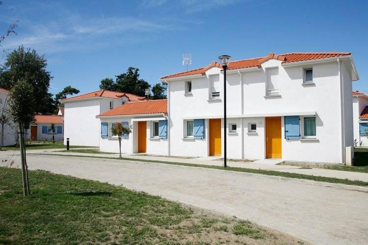 Pays de la loire Vakantiewoningen te huur Verzorgde appartementen met eigen terras gelegen op vakantiepark met o.a. een openlucht zwembad