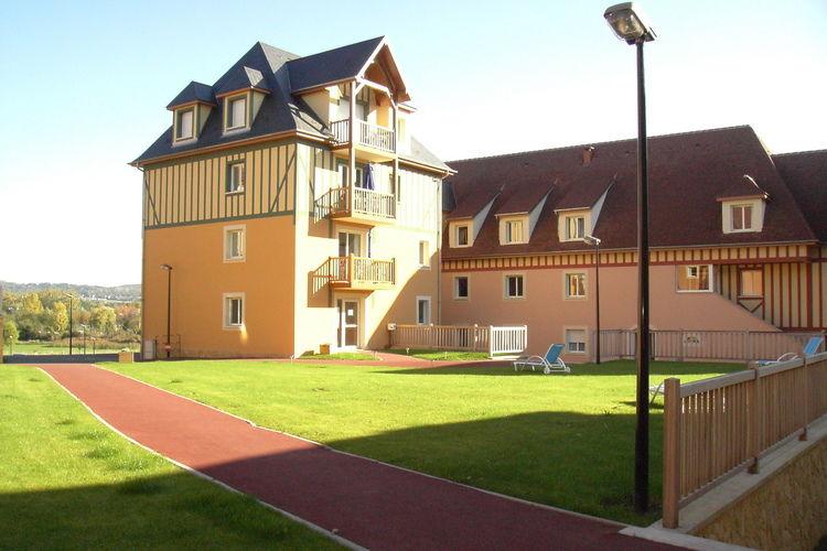 Saint Arnoult Vakantiewoningen te huur Smaakvolle appartementen in prachtige omgeving.