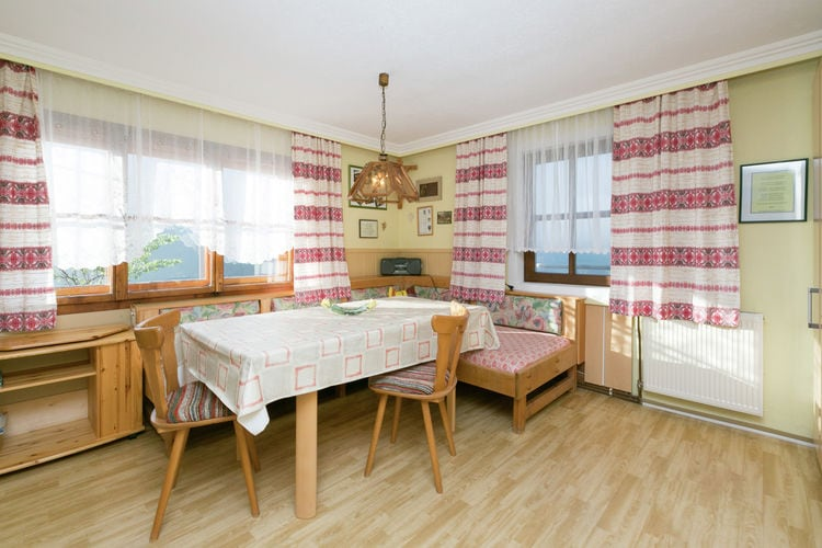 Ref: AT-5742-18 6 Bedrooms Price