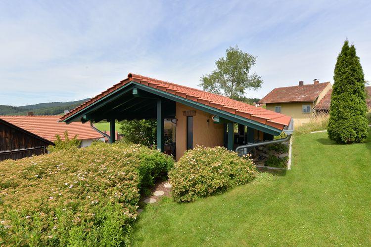 Duitsland Vakantiewoningen te huur Zeer comfortabele vakantiewoning met eigen wellness en direct tegen de rotsen gebouwd