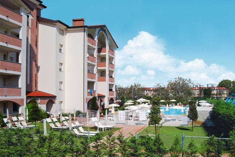 Appartement met zwembad met wifi  Lido-Degli-EstensiResidence Cleo 2