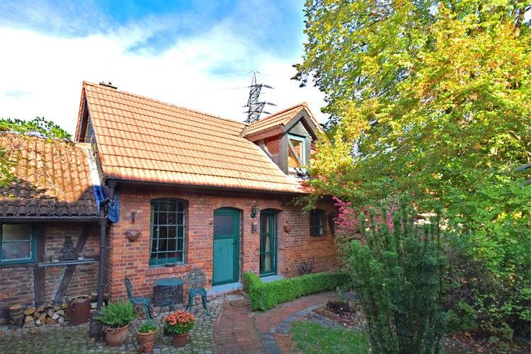 Vakantiewoning  met wifi  Bad Eilsen ot Heeßen  Stijlvolle cottage met voorzethaard in het Weserbergland