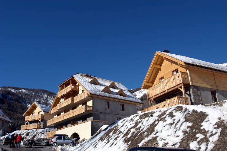 Appartement met zwembad   Pra Loup  Comfortabele appartementen in een résidence met prachtig uitzicht in het skigebied Espace Lumière