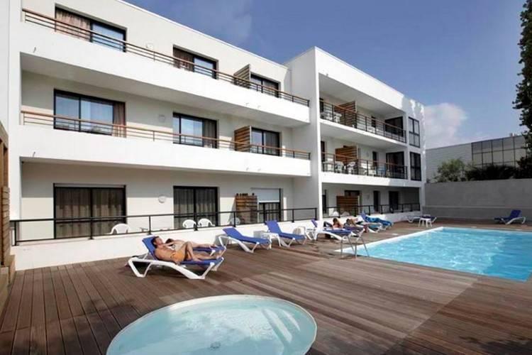 Cote Atlantique Appartementen te huur Appartement in leuke résidence met zwembad, slechts 600m. van de oude haven van La Rochelle