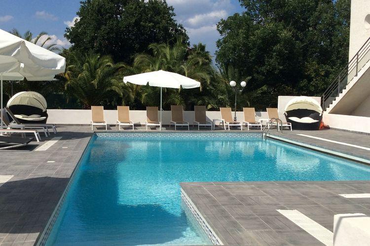 Woning Frankrijk | Corse | Vakantiehuis te huur in Moriani-Plage met zwembad  met wifi 3 personen