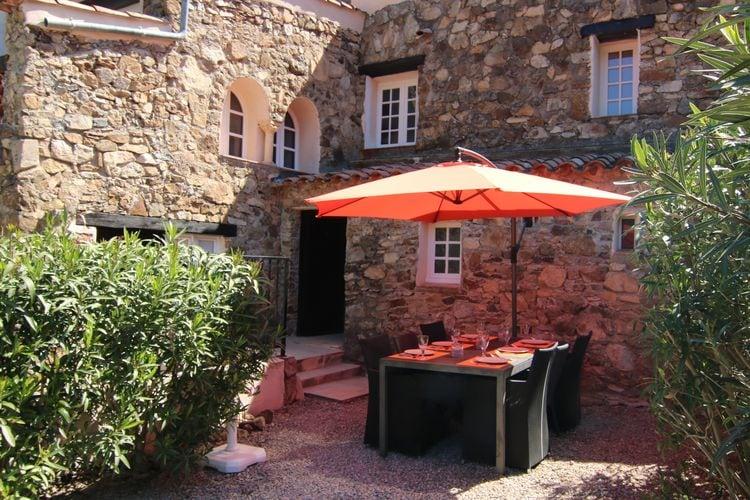 Vakantiewoning met zwembad met wifi  Plan de la Tour  Schitterende woning met veel buitenruimte, apart gastenverblijf en gedeeld zwembad op het hameau