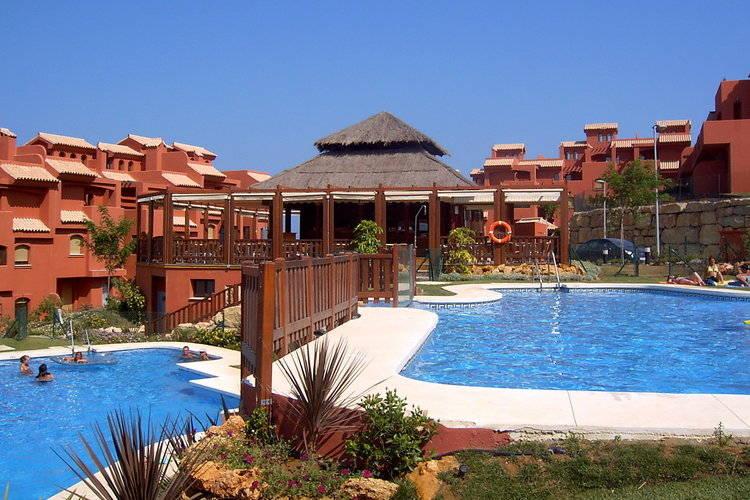 Appartement met zwembad met wifi  Costa del SolAlbayt Resort & Spa - Apt Std 3 Bedroom