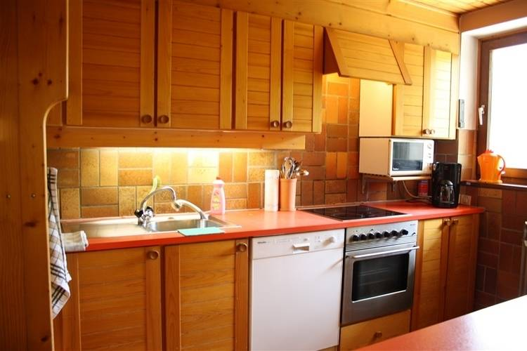 Ref: AT-5761-35 3 Bedrooms Price