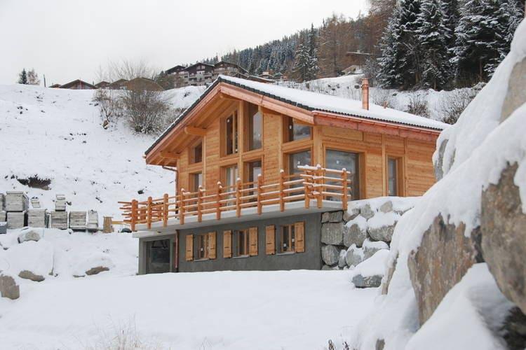 Vakantiehuizen Zwitserland | Jura | Chalet te huur in La-Tzoumaz   met wifi 8 personen