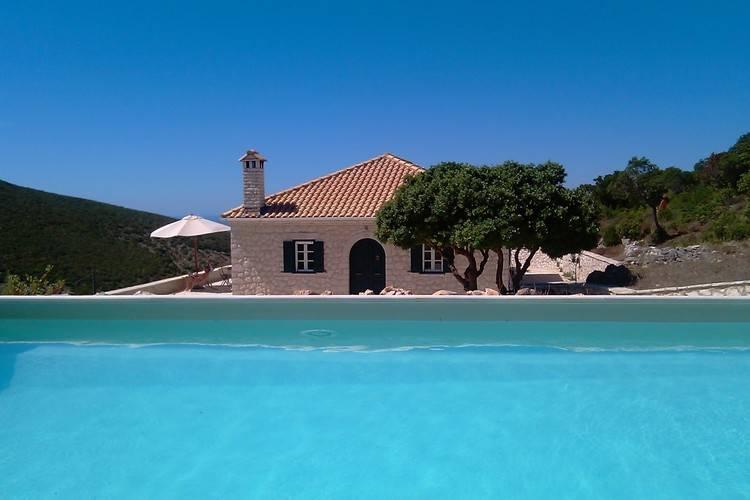 Lefkas Villas te huur Villa met zwembad en uitzicht over de Ionische Zee