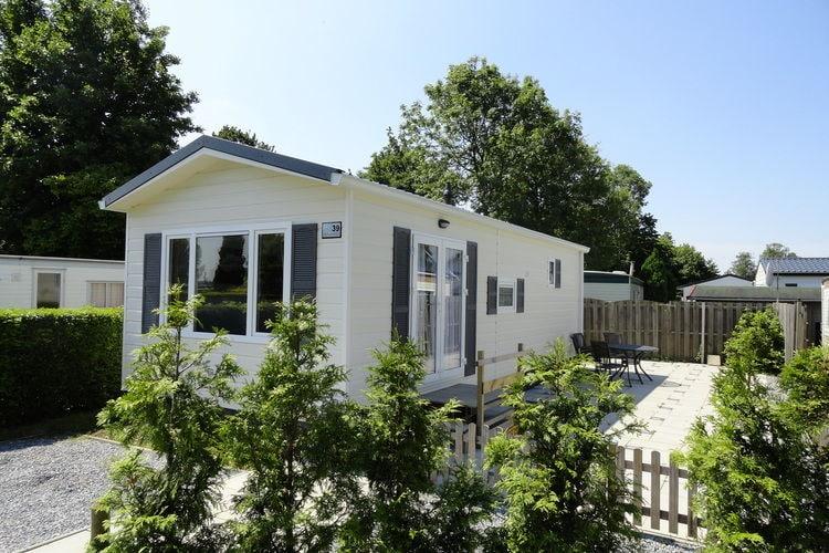 Zeeland Chalets te huur Chalet op een camping, centraal gelegen in Zeeland, in Heinkenszand