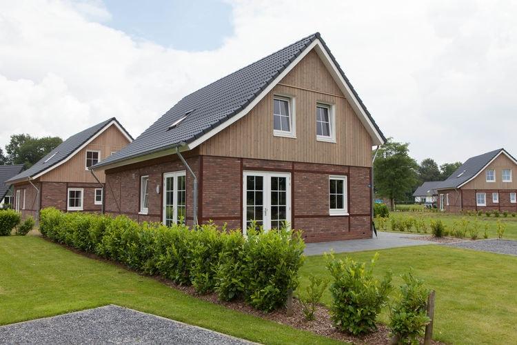 Vakantiehuizen Nederland | Limburg | Villa te huur in Susteren met zwembad  met wifi 12 personen