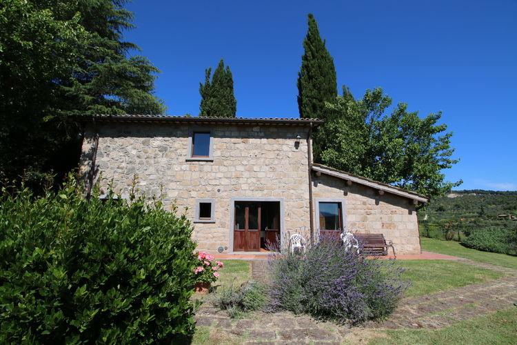 Bagnoregio Vakantiewoningen te huur Agriturismo met zwembad, prachtige vallei, uitzicht op Cività di Bagnoregio