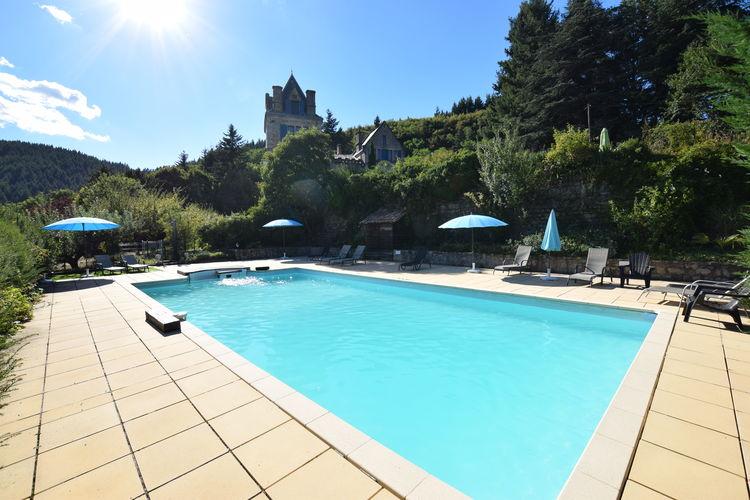 Appartement met zwembad met wifi  ArdecheAppartement - château en Ardèche la fleur