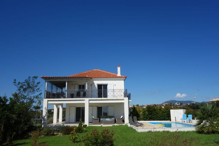 Villa met zwembad met wifi  Evangelismos  Villa Katharina
