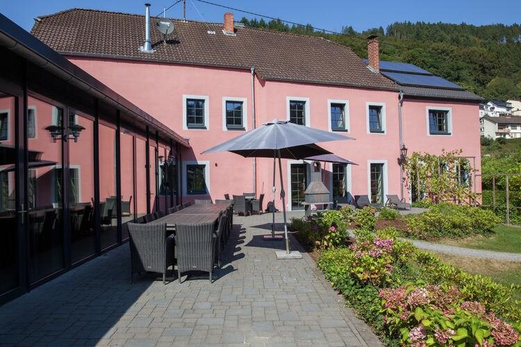 Malberg Vakantiewoningen te huur Luxueuze vakantiewoning met zwembad in Malberg