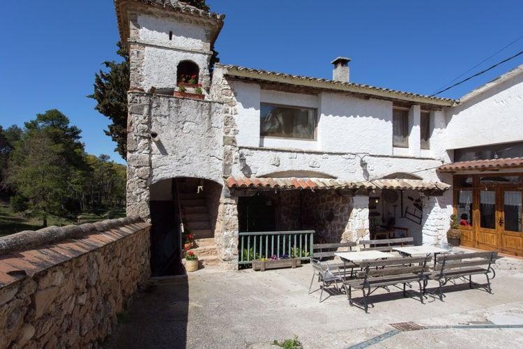 Spanje Kastelen te huur Authentieke toren met landelijke ligging op typisch Catalaanse hoeve met zwembad
