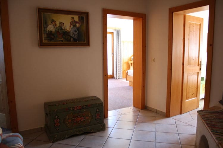 Ref: AT-8971-02 3 Bedrooms Price