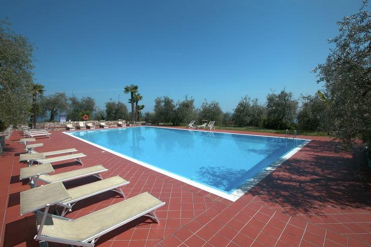 Vakantiehuizen Italie | Italiaanse-Meren | Vakantiehuis te huur in Soiano-del-Lago met zwembad  met wifi 4 personen