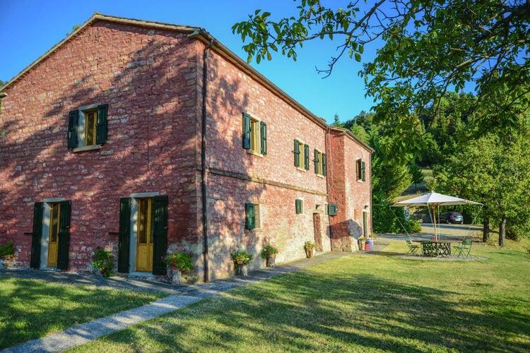 Emilia-Romagna Villas te huur Villa-appartement met zwembad en panoramisch uitzicht over de Apennijnen