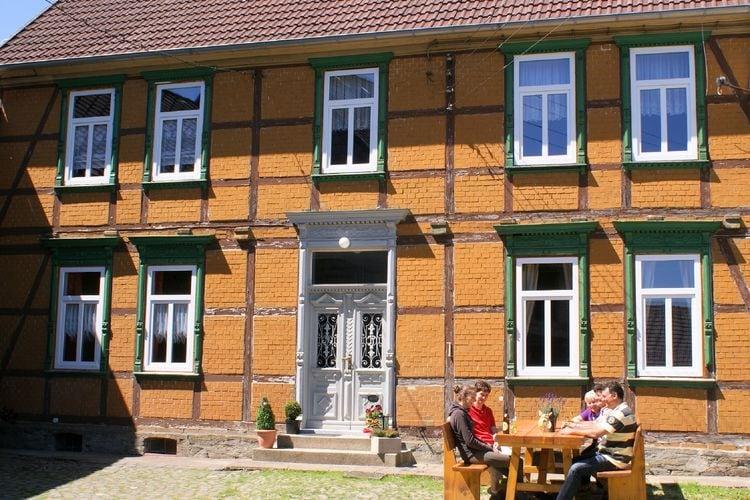 Mooie groepsaccommodatie in Hüttenrode in het gerenoveerde vakwerkhuis Harzer