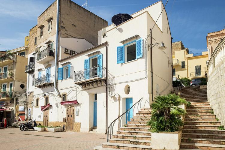 Vakantiewoning  met wifi aan zee Santa Flavia-  Fraz. Porticello  Met smaak ingericht vakantiehuisje in de haven van het vissersdorpje Porticello