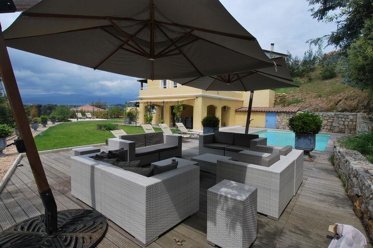 CANNES Vakantiewoningen te huur Vrijstaande villa met zwembad en airconditioning nabij het centrum van Cannes
