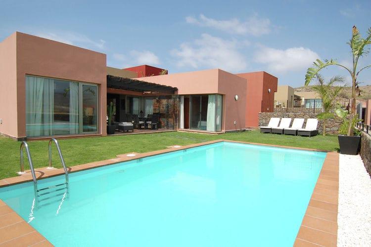 Modern ingerichte villa met privézwembad op het Salobre Golf Resort