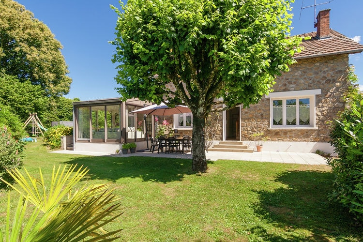 Frankrijk | Limousin | Vakantiehuis te huur in Meilhards met zwembad  met wifi 8 personen