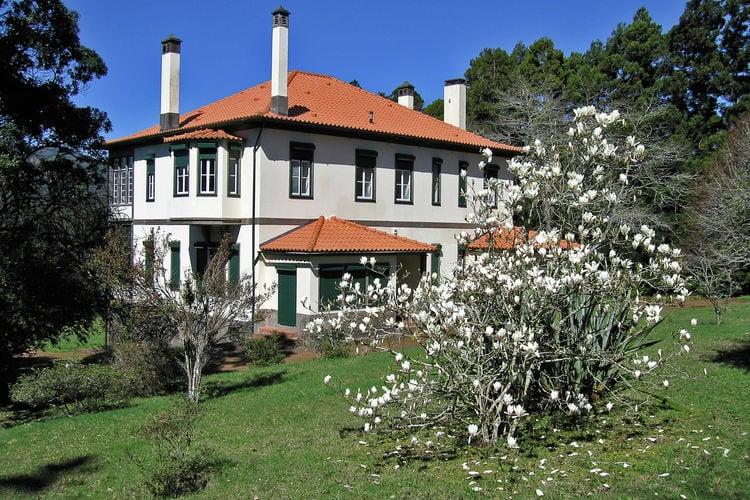 Villa met zwembad met wifi  Santo Antonio da Serra, Santa Cruz  Quinta das Colmeias House